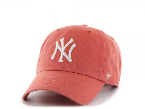 47Brand New York Yankees Clean Up Island Red Strapback Cap