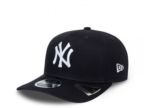 New Era New York Yankees Navy League Essential  9Fifty Stretch Snapback Cap Cap