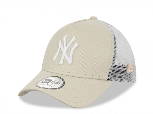 New Era New York Yankees Stone White Trucker Snapback Cap